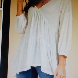 Weekend Ivory Tiered ¾ Sleeve Ruched Tunic NWT